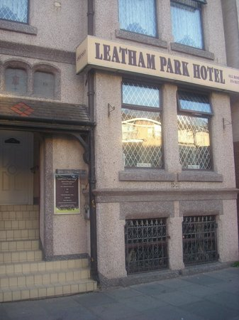 Leatham Park Guest House: Outside B&B