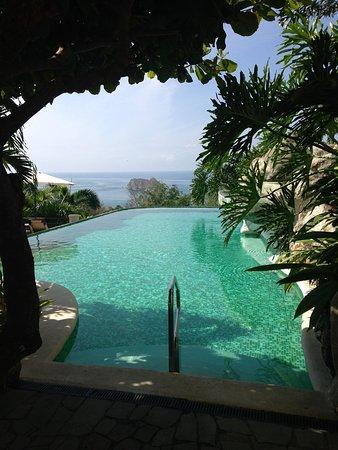 Parador Resort and Spa: suite building pool