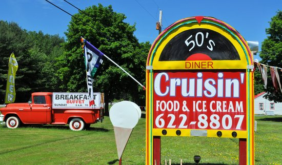 The Cruisin' 50's Diner: 50's Diner and Ice cream shoppe