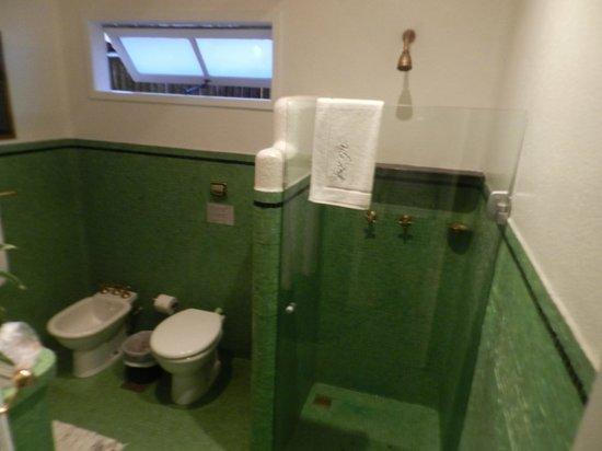 Vila D'este : Banheiro - Quarto 03 - Superior Jardim