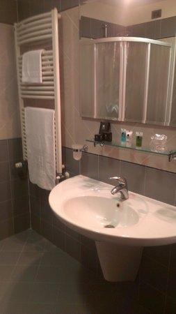 Concordia Hotel: Ванная комната