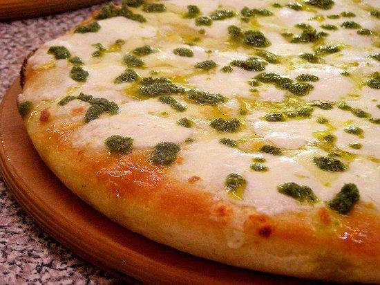 Zio's Pizza Brescia: Pesto alla genovese e crescenza
