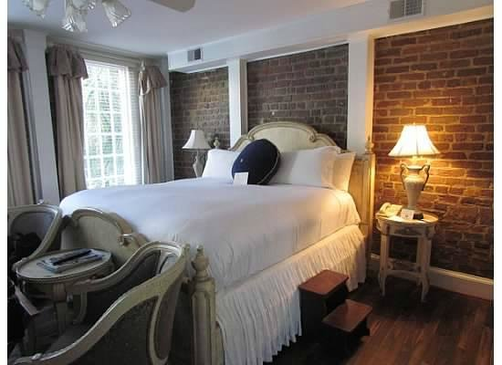 The Vendue Charleston's Art Hotel: room 250
