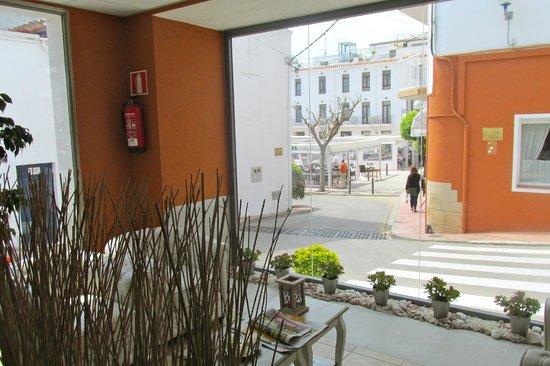 Hotel La Muntanya: vista desde el hall
