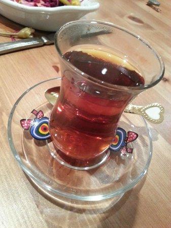 Marmaris Turkish Restaurant: Turkish tea