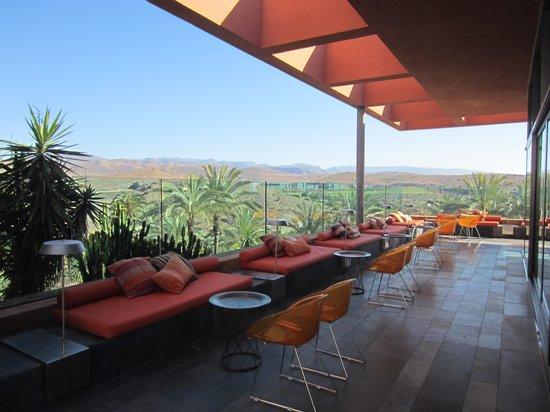 Sheraton Gran Canaria Salobre Golf Resort: Eine der Terassen der Bar