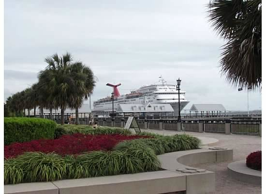 Charleston Waterfront Park: waterfront park pier