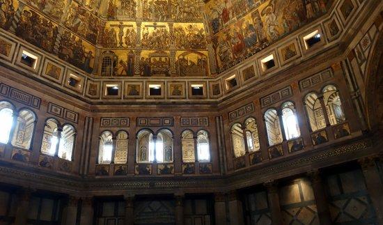 Baptistery of San Giovanni (Battistero) : beautiful arch work