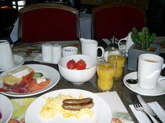 Best Western Leoso Hotel Leverkusen: Frühstück