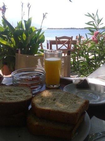 Kerkis Bay Hotel: colazione Kerkys Bay