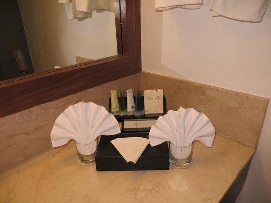 Marco Polo Plaza Cebu: salle de bain 1505