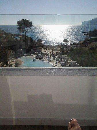 FERGUS Style Cala Blanca Suites: vista dal terrazzo suite deluxe