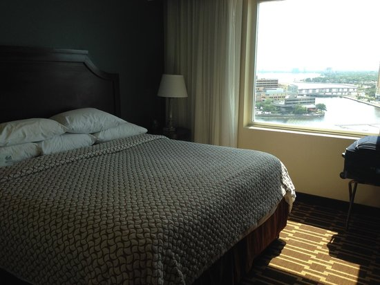 Embassy Suites by Hilton Tampa - Downtown Convention Center: King Bed - room #1704