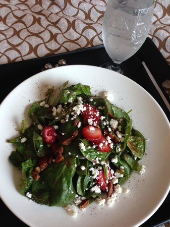 Embassy Suites by Hilton Tampa - Downtown Convention Center: Room Service - Spinach Salad