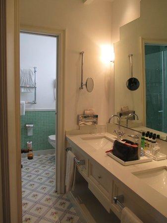Grand Hotel Ambasciatori: Banheiro