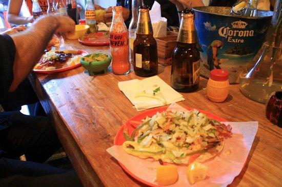abril 2013 con amigos en LA FABRICA DEL TACO