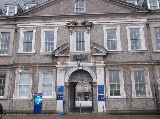 Irish Museum of Modern Art (IMMA): Main entrance