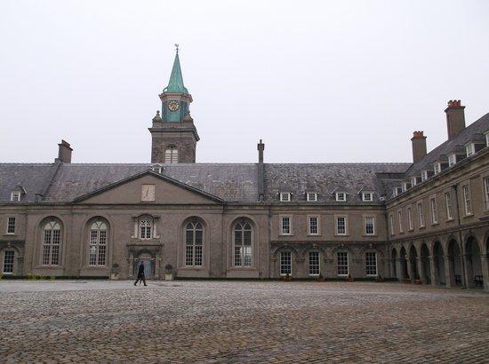 Irish Museum of Modern Art (IMMA): The courtyard