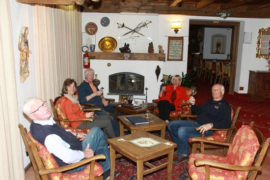 Dolomites Inn: In der Lobby