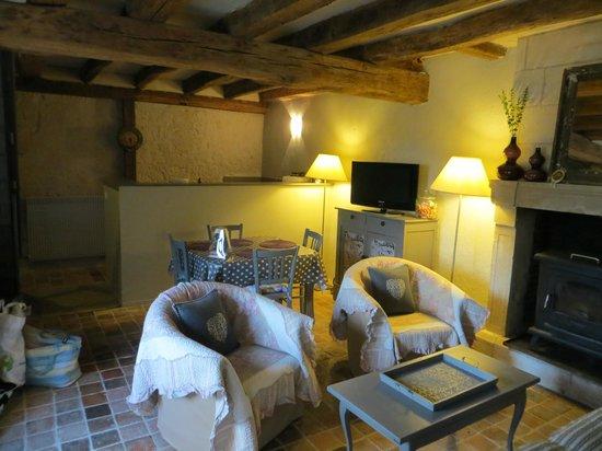 Lavoir Du Coteau: Inside