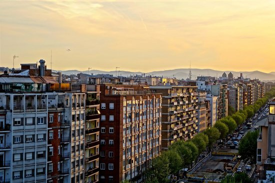 Barcelona Universal Hotel: View from roof terrace