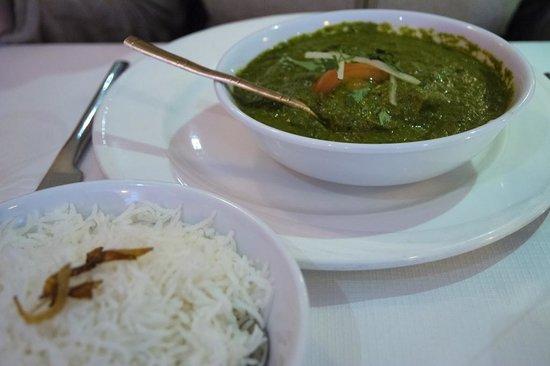 Diwali Indian & Nepalese Restaurant: Saag Paneer Aloo main dish