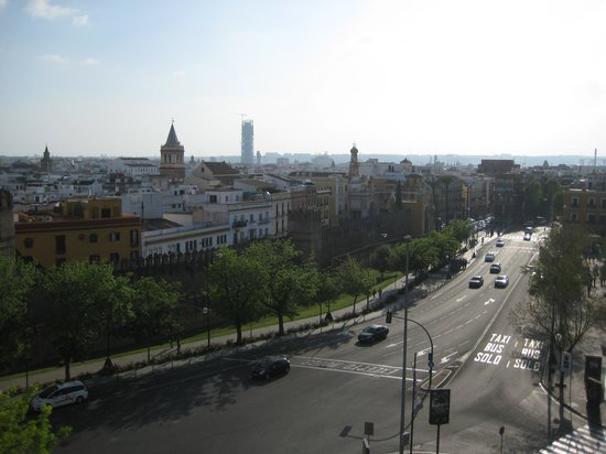 Tryp Macarena: View from sun terrasse towards Basilica Macarena
