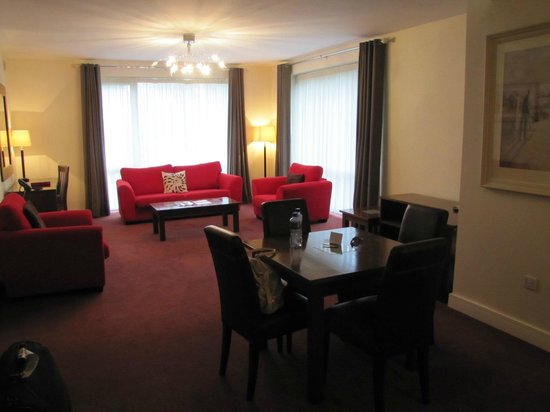 Dunboyne Castle Hotel And Spa: Living area of Junior Suite