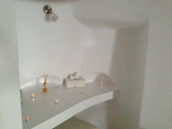 Aliko Luxury Suites: Room