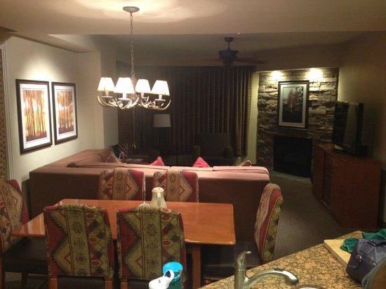 The Ridge Tahoe: Living Area