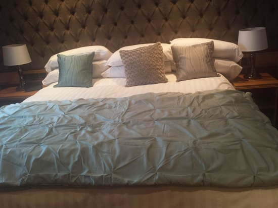 Royal Hotel: Bedroom