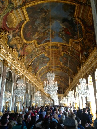 Château de Versailles : Hall of mirror in the Versailles Palace