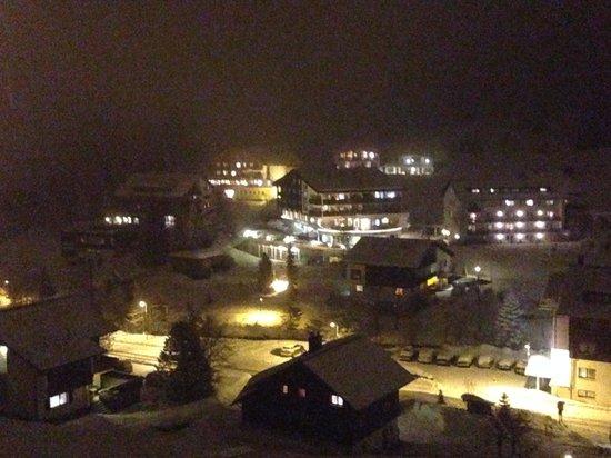Hotel Alpenrose: Super Blick bei Nacht vom Balkon