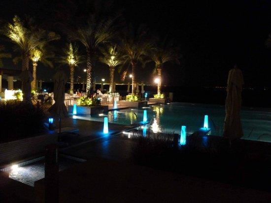 Anantara Eastern Mangroves Hotel & Spa : Pool