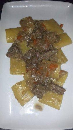 La Taverna dell' Etna : pacchero alla genovese