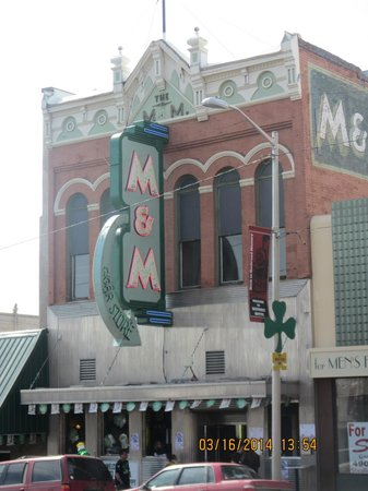 M&M Cigar Store: M&M