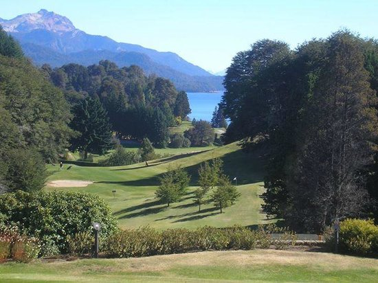 Llao Llao Hotel and Resort, Golf-Spa: vista parcial de la cancha de golf