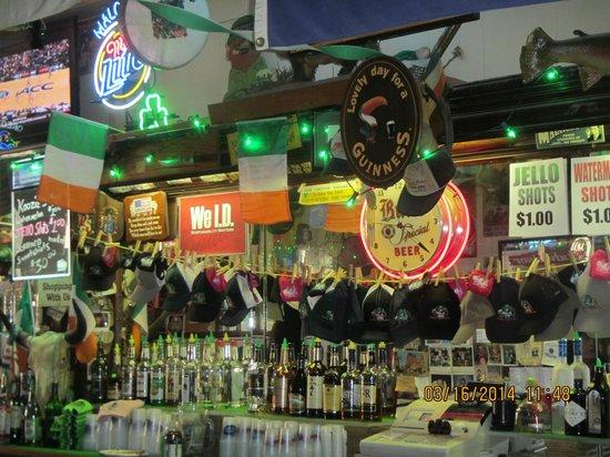 Maloney's Bar : Maloney's