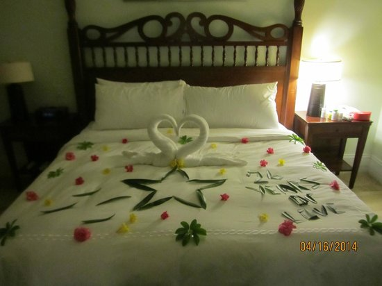 Sandals Emerald Bay Golf, Tennis and Spa Resort : Butler magic