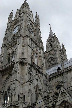 Basílica del Voto Nacional: amazing structure