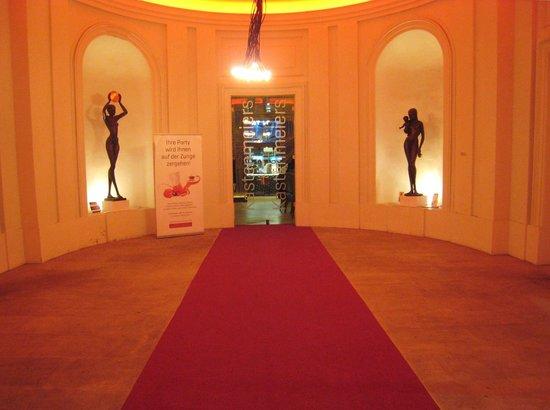 Kastenmeiers: LOvely entrance