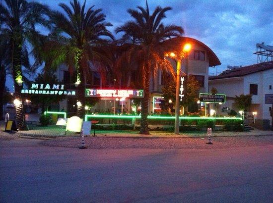Miami Restaurant & Bar: 2014:)