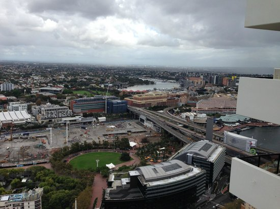 Meriton Suites Kent Street, Sydney: view from he terrace