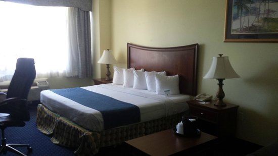 Best Western Ocean Beach Hotel & Suites : Part of room