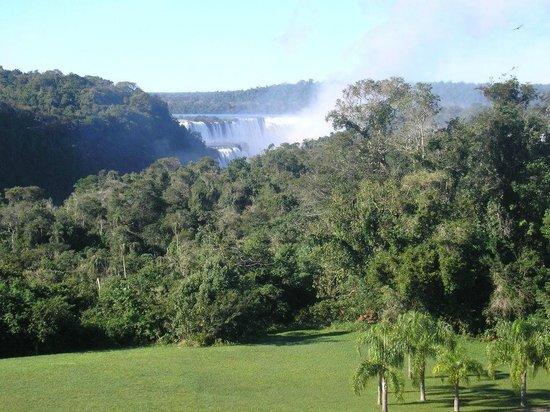 Meliá Iguazu Resort & Spa: vista desde los jardines del hotel