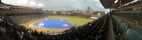 Picture-perfect rain delay at Wrigley Field