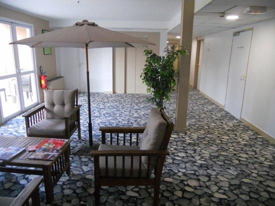 Best Western Plus Hyeres Cote D'Azur: spazio comune