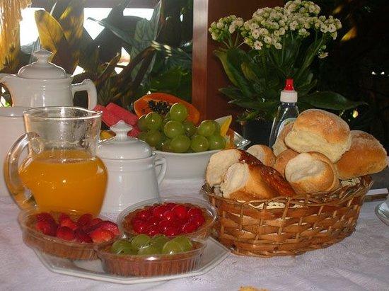 Vila do Abraao, RJ: Café da manhã
