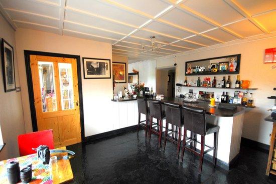 Toomullin House: Riverside Bistro