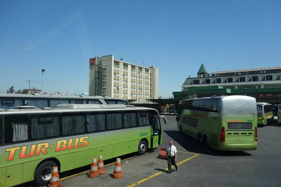 Ibis Santiago Estacion Central : just next to the bus station